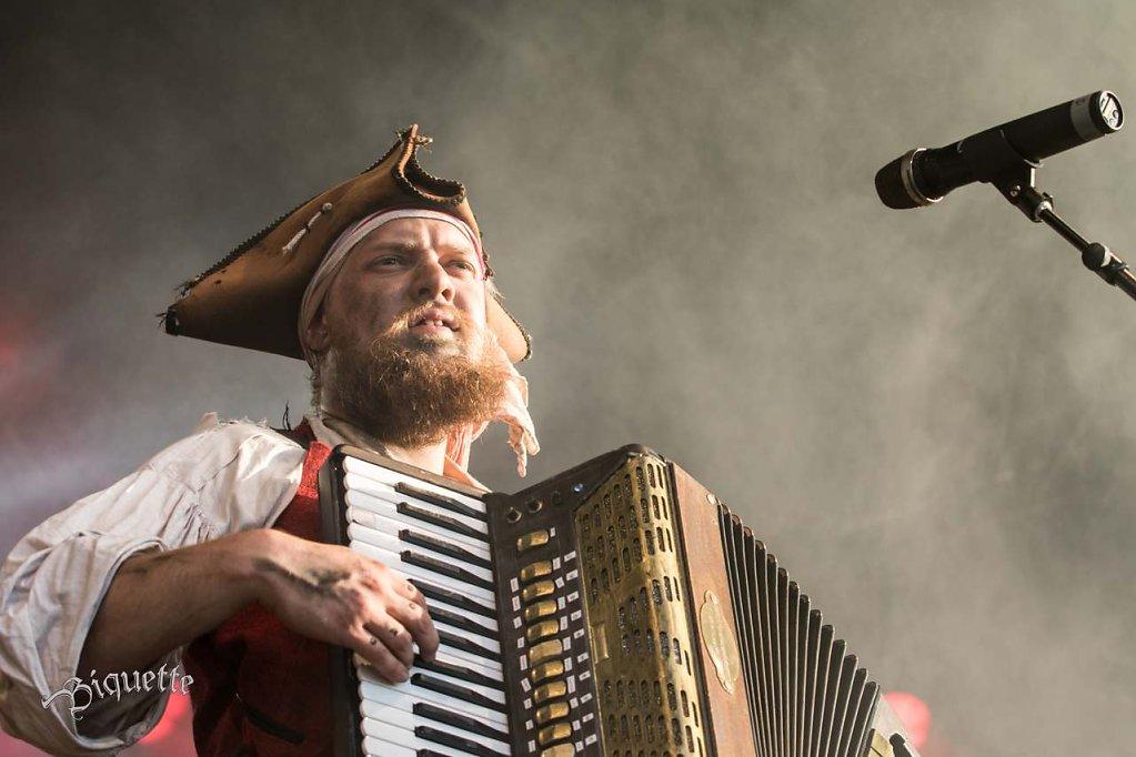 Wacken-2015-145-of-2962015-concert-Festival-Germany-metal-Mr-Hurley-und-die-Pulveraffen-Wacken.jpg